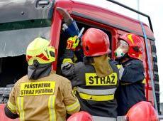 Powiat wielicki - warsztaty szkoleniowe z zakresu ratownictwa technicznego z wykorzystaniem fabrycznie nowych kabin samochodów ciężarowych MAN