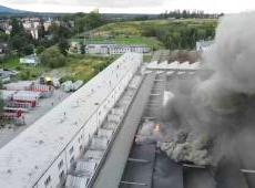 Andrychów – Pożar hali produkcyjnej.