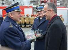 Uroczyste przekazanie pojazdów i sprzętu ratowniczego dla KM PSP w Krakowie i OSP oraz odprawa roczna.